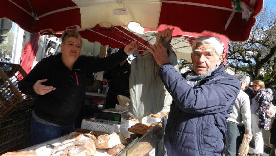 Il y aura toujours un marchand de pain le dimanche matin sur le marché./Photo DDM