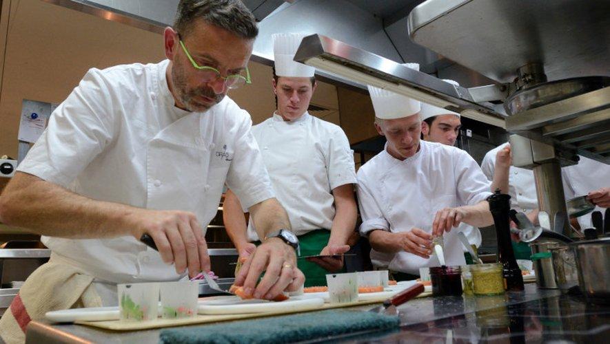 Sébastien Bras, ici en cuisine, fêtera les 25 ans du Suquet cette saison. Ouverture le 6avril.