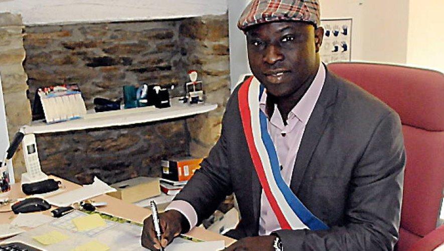 L'ex-rugbyman de LSA, Simon Worou, a été élu en 2014 maire de Sainte-Juliette-sur-Viaur.