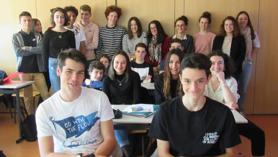 Les lycéens de Foch et Monteil sont invités à suivre un cycle de conférences de préparation au concours Sciences Po pour se donner l'ambition et les moyens de réussir.