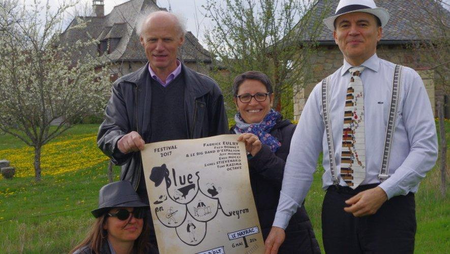 Milana, les élus du Nayrac et Fabrice Eulry présentent l'affiche.