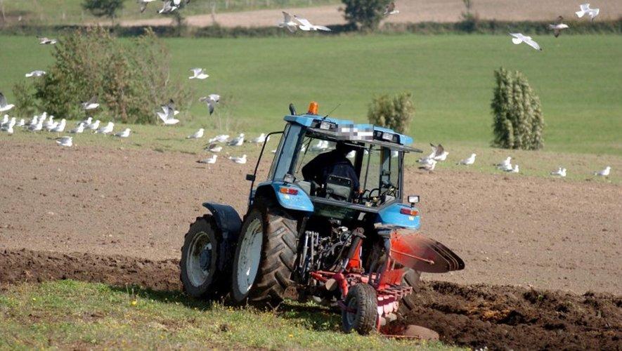 Escandolières : son tracteur lui roule dessus, un septuagénaire grièvement blessé