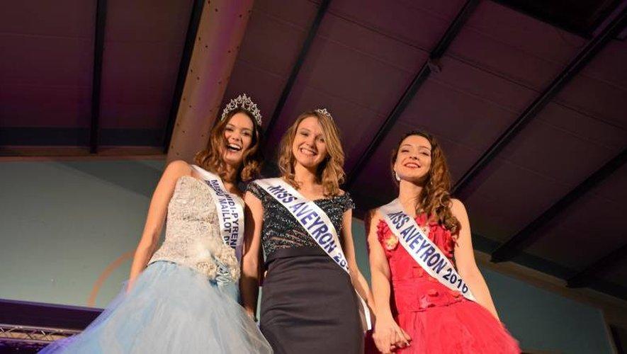 Sabrina Turlan, au centre, remporte le titre de Miss Aveyron et succède à Emeline Bourgoin.