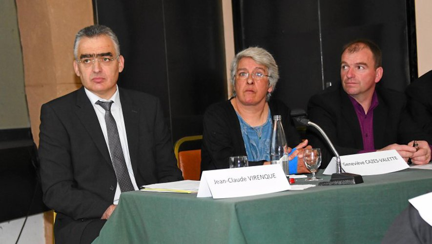 Jean-Claude Virenque et l'intervenante Geneviève Cazes-Valette.