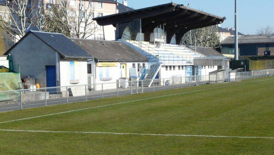 Le stade Georges-Vignes promis à la démolition au grand dam de l'opposition.