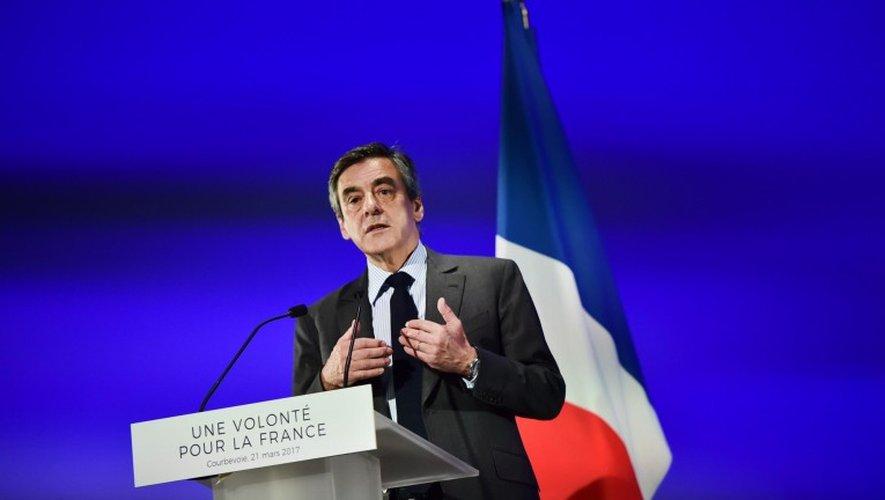 Affaire Fillon : l'enquête élargie à des soupçons d'«escroquerie aggravée et faux»