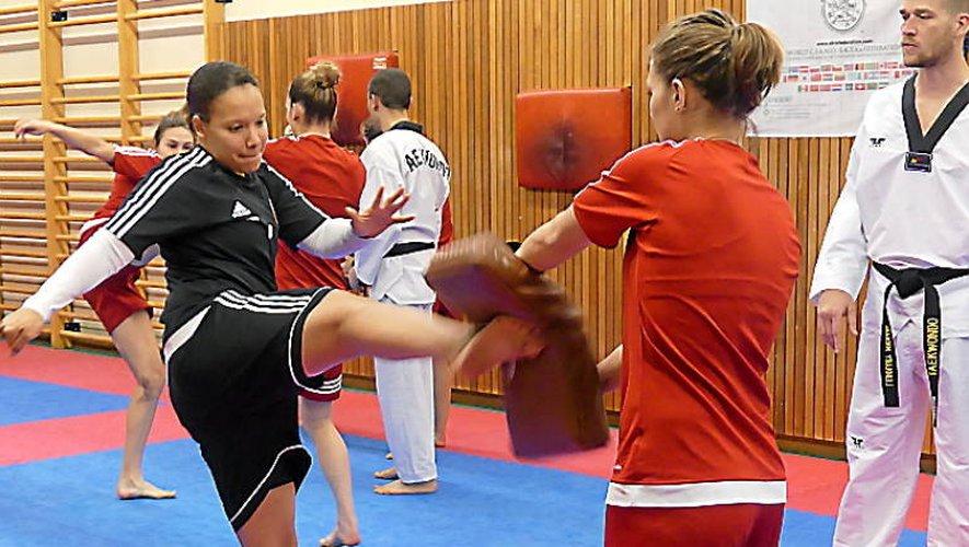 Taekwondo : les footballeuses du Raf ont «pris leur pied» !