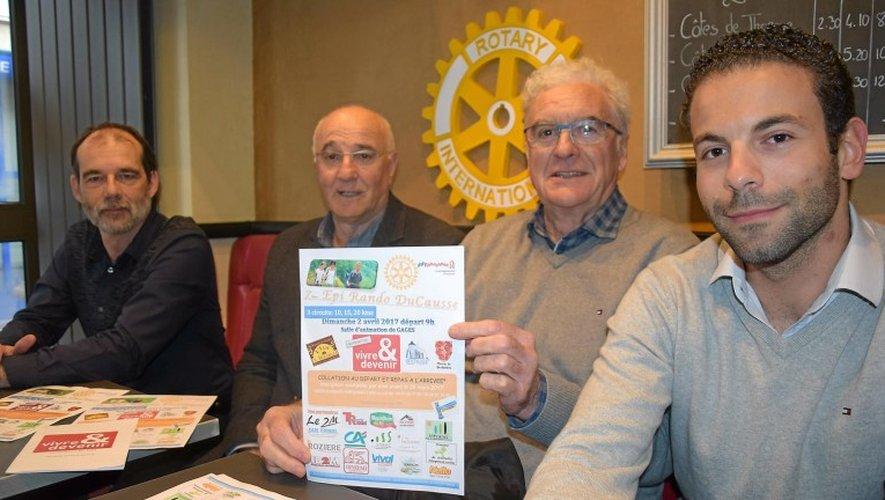M. Smaïne, M.Huntziger, Ch. Mazenq, du Rotary club et J.-J. Bousquet, vice-président de Vivre et Devenir.