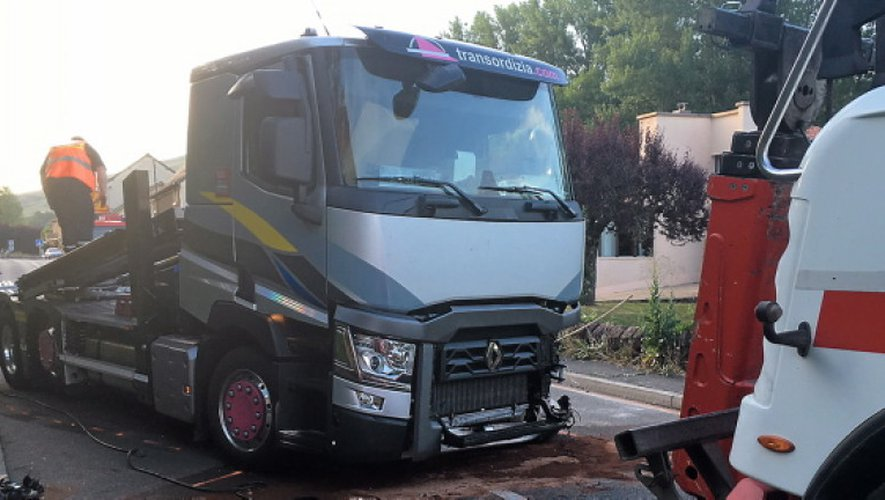 Firmi : violente collision entre un camion espagnol et des automobilistes néerlandais