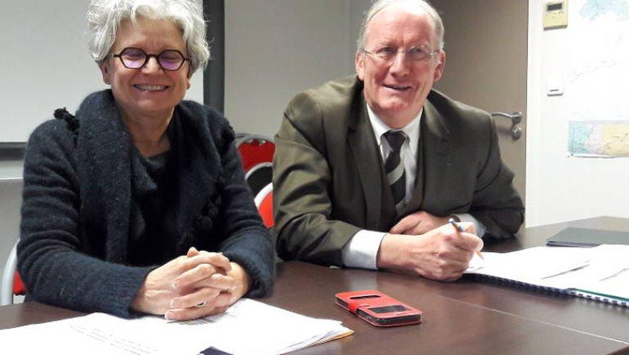 La secrétaire générale Marie-Annick Busnel et le Dasen Gilbert Cambe.