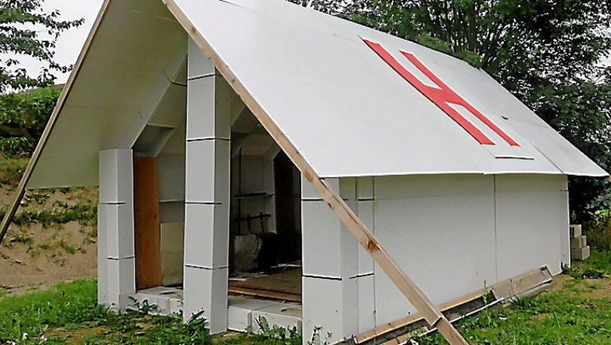 Le prototype de la maison d'urgence visible à Campouriez.