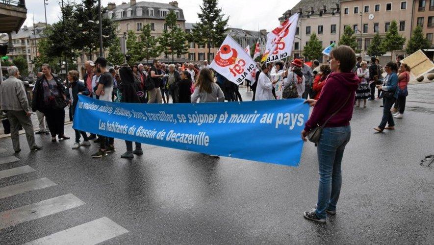 Les manifestants bloquent la circulation autour de la place d'Armes à Rodez.