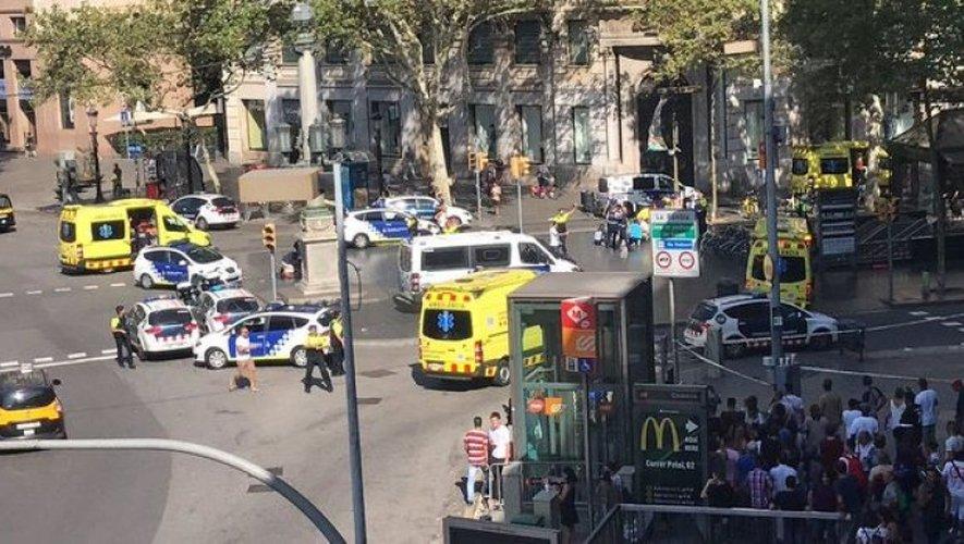 Une camionnette fonce dans la foule à Barcelone. Twitter @martassole