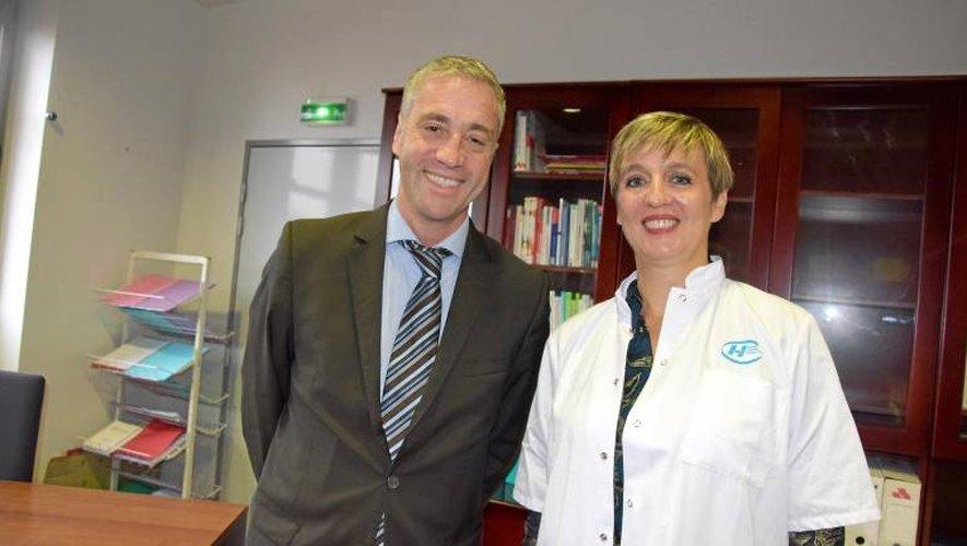 Vincent Prévoteau, nouveau directeur, aux côtés du DrCarrez, médecin urgentiste et présidente de la Commission médicale d'établissement (CME).