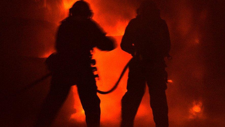 Les sapeurs-pompiers de Réquista et de Saint-Affrique se sont employés à circonscrire le sinistre. (Illustration)
