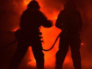 Frappée par la foudre, une maison prend feu à Saint-Izaire