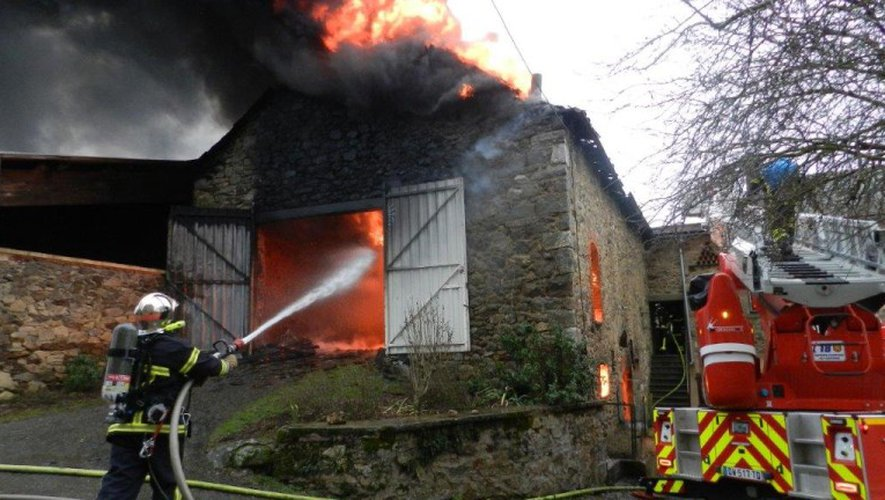La Bastide-l'Evêque : une grange détruite par un incendie