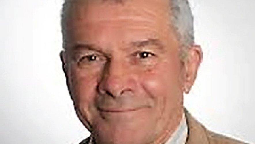 Le maire de Quins, Jean-Pierre Mazars, nouveau président.