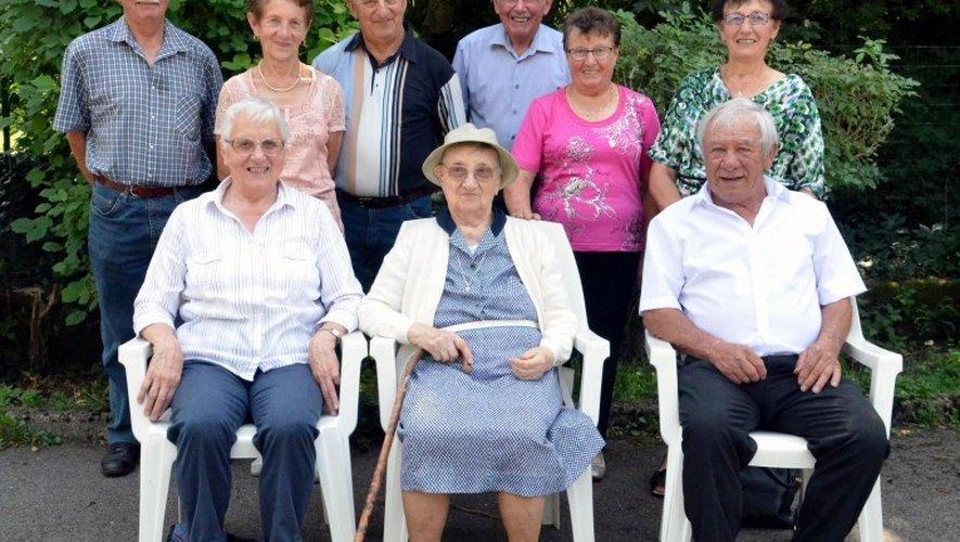 Sœur Marthe et sa famille réunisà Clairvaux pour fêter ses 100 ans.