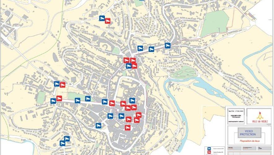 La carte des 31 futures implantations. Il manque la caméra prévue à Saint-Éloi (futur campus universitaire). En rouge, les lieux identifiés par le commissariat. En bleu, les propositions complémentaires de la police municipale.