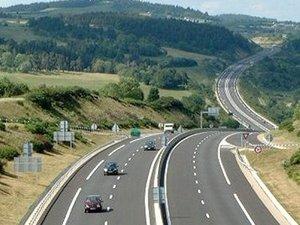 Accident de minibus sur l'A75 : un blessé, la circulation perturbée dans le sens Nord-Sud