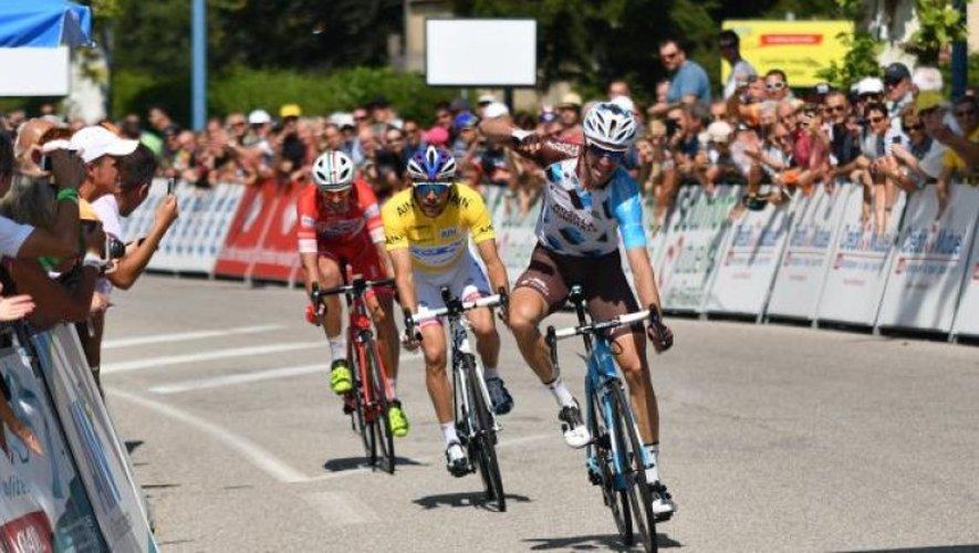 Geniez s'impose à Culoz devant Thibaut Pinot, vainqueur de l'épreuve.
