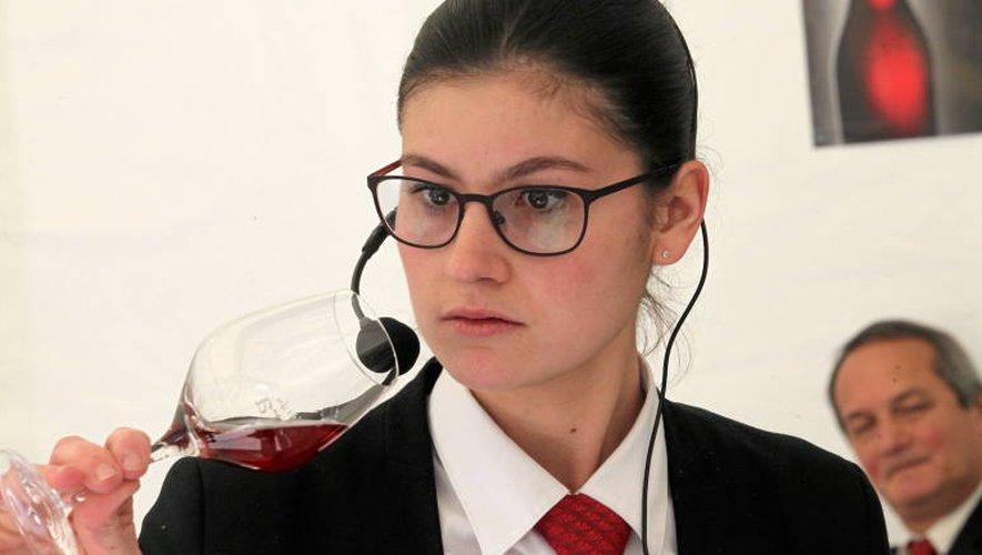 Emma accomplit son brevet professionnel en alternance, dans un restaurant étoilé de la région toulousaine.Jean Bernard