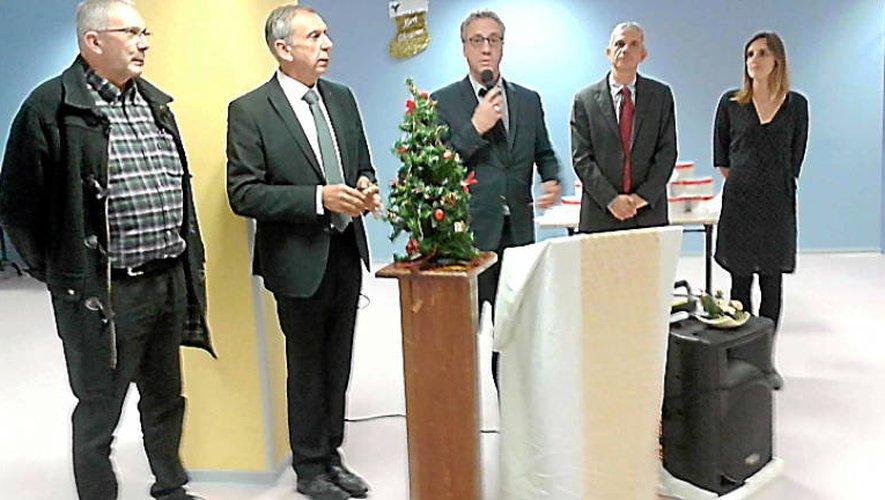 La tribune lors la cérémonie des vœux de l'hôpital Etienne-Rivié.