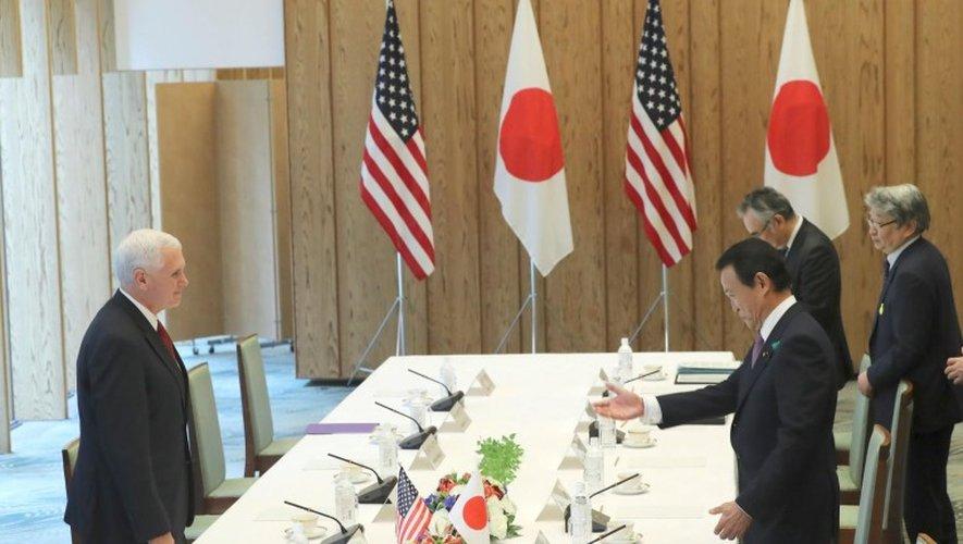 Le vice-président américain Mike Pence a réitéré mardi l'engagement de son pays à assurer la sécurité du Japon, face à la Corée du Nord.