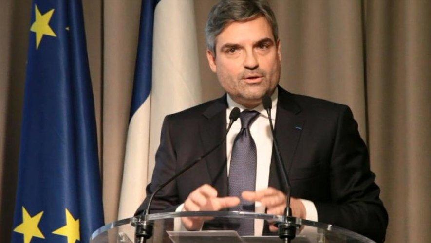 Présidentielle: l'Aveyronnais Olivier Régis renonce et soutient Macron