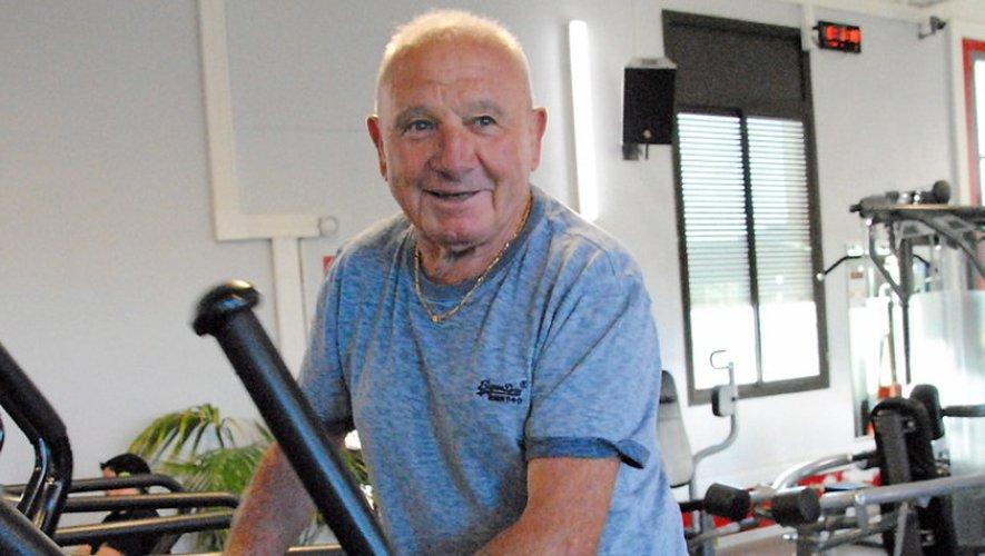 Sportif depuis qu'il a quinze ans, ce retraité, ancien commercial à la banque n'a jamais arrêté.