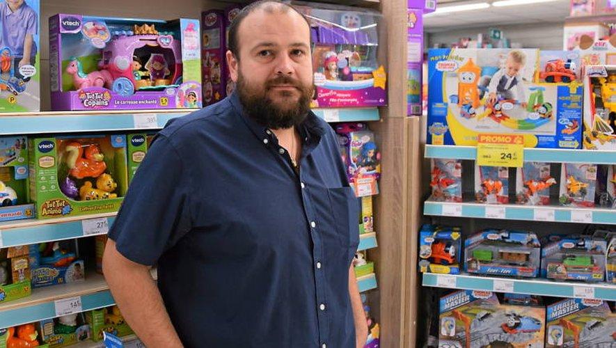 Yann Cassalegua, gérant du magasin King Jouet.