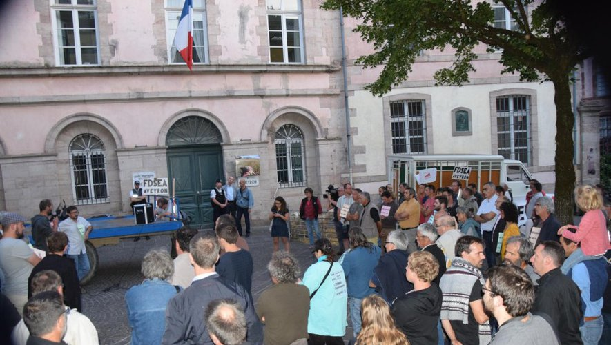 EN IMAGES. Manifestation à Rodez: le loup dans le viseur des agriculteurs