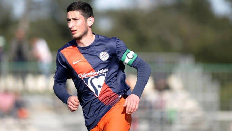Football : l'Aveyronnais Amir Adouyev signe son premier contrat pro