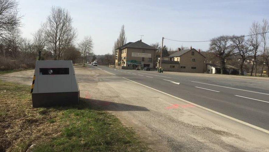 Le radar autonome de la RN88 installé au même endroit, à la sortie de Gages-Montrozier