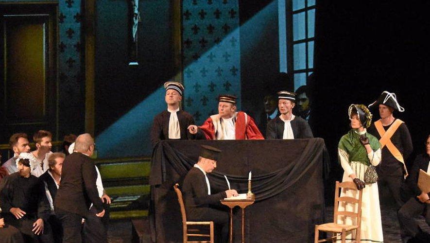 La pièce de théâtre sera jouée une dernière fois à La Baleine, à Onet, vendredi 15décembre (Photos José A. Torres).