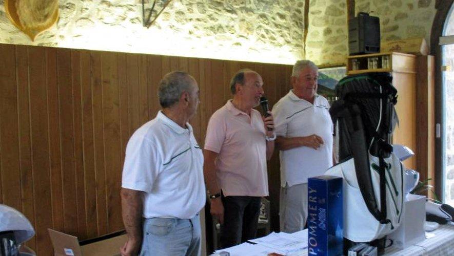 Michel Laur, à droite, président depuis 25 ans du club qui doit se retirer au printemps prochain.