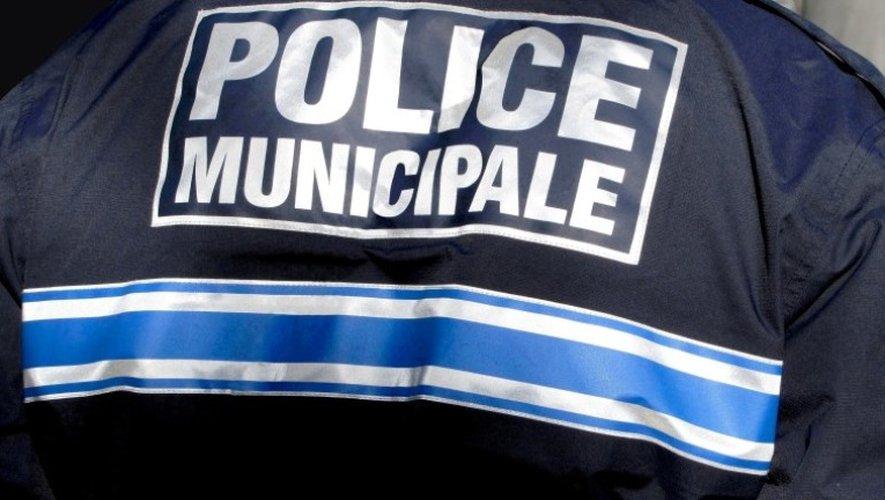 Rodez : il brandit un couteau devant les policiers municipaux