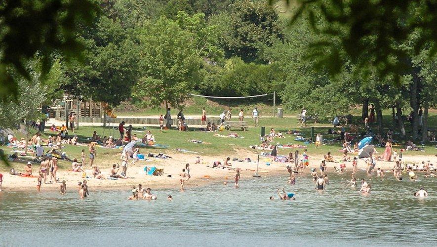 Les professionnels du tourisme attendent avec impatience le retour massif des touristes, notamment autour des lacs du Lévezou. (archives José A. Torres / Centre Presse Aveyron)