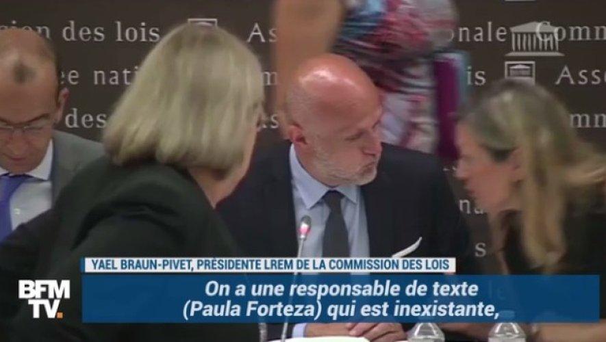 Stéphane Mazars préside les travaux de la commission durant cet examen.