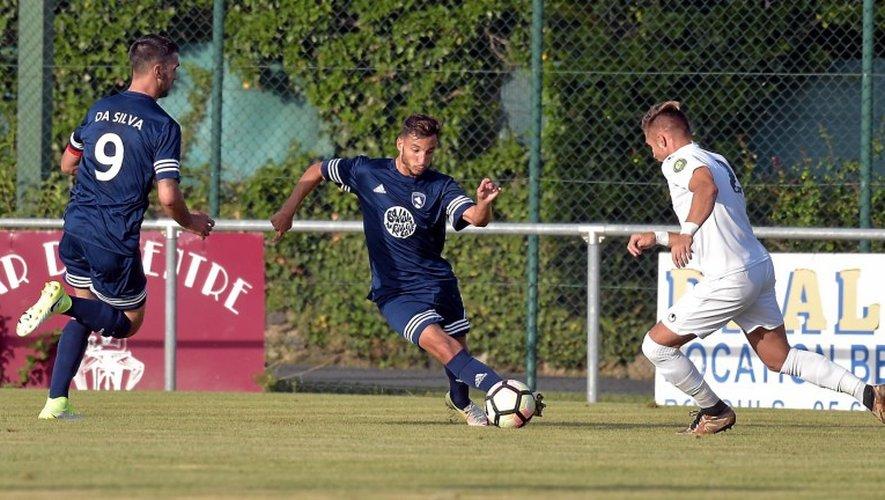 Le Raf n'a pu faire mieux qu'un résultat nul pour son quatrième match de préparation, mardi, à Saint-Geniez-d'Olt. (crédit : Jean-Louis Bories / Centre Presse Aveyron)