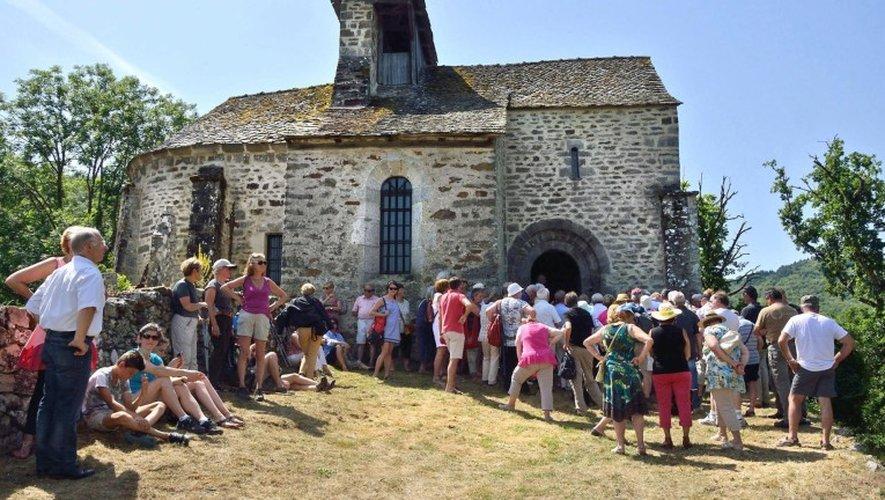 La chapelle Manhaval, lieude départ de la randonnéece matin côté Aveyronpour inaugurer le GR465.