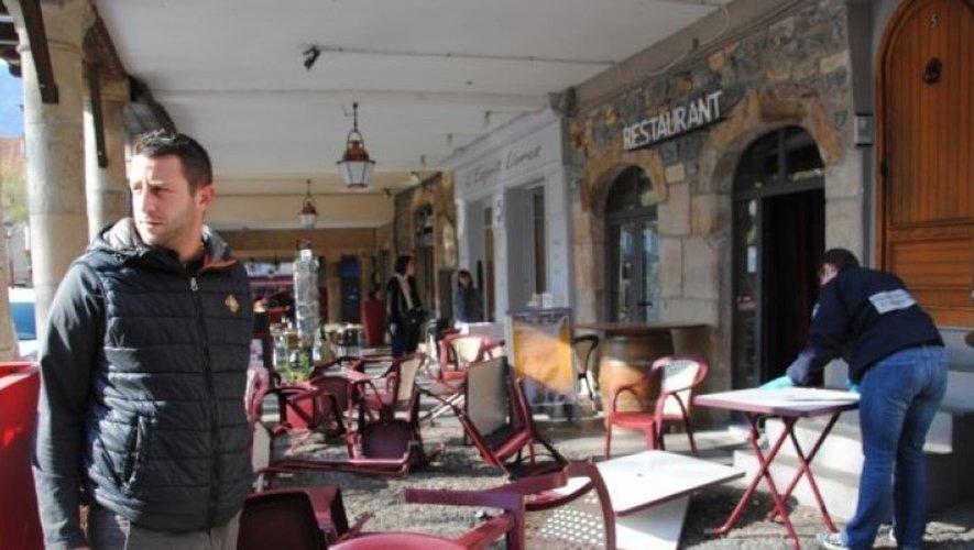La terrasse de la pizzeria, O bon moment, place Foch à Millau, n'avait pas fière allure ce mercredi.