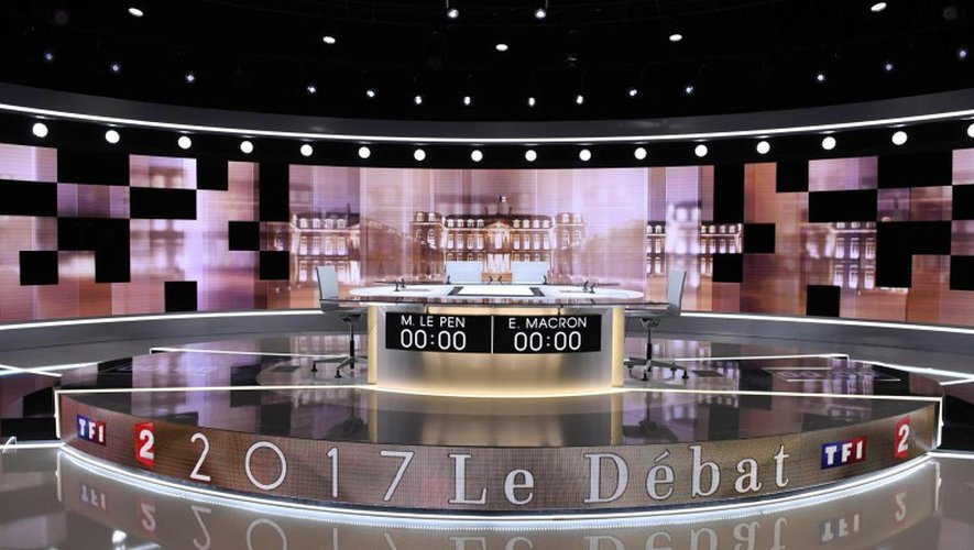 [DIRECT] Présidentielle : suivez dès 20h45 le débat d'entre-deux-tours opposant Marine Le Pen à Emmanuel Macron