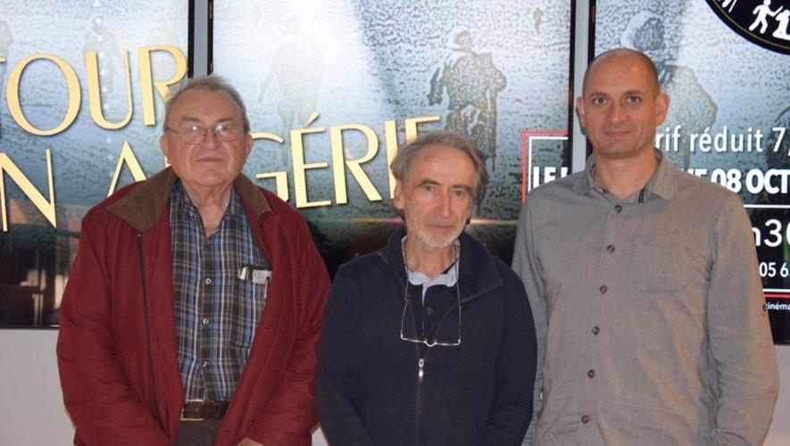Emmanuel Audrain aux côtés de ses hôtes, Jean Malié pour la Ligue des Droits de  l'Homme et Yann Marie, le directeur de Cap Cinéma.