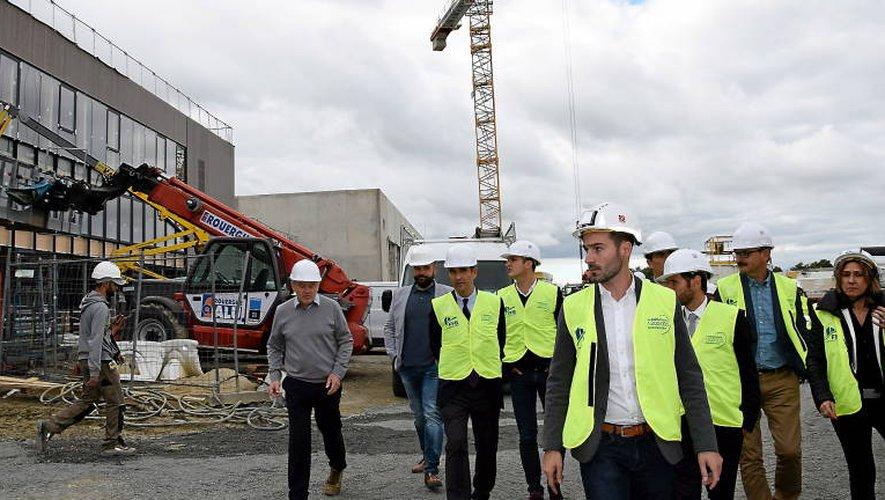Visite d'un chantier imposant.