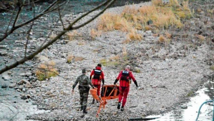 Les recherches ont mobilisé les gendarmes et les sauveteurs en milieu aquatique des sapeurs-pompiers.