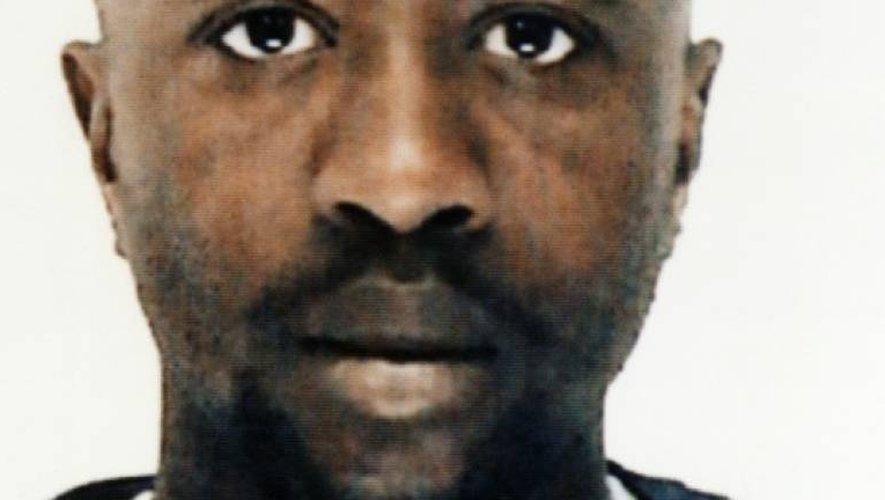 Portrait d'archives diffusé le 17 février 2006 par la police de Youssouf Fofana