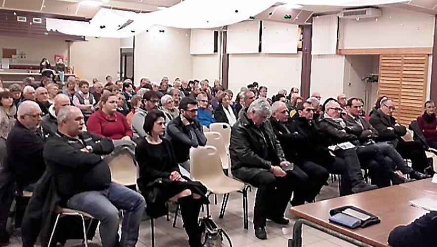 Plus de 150 personnes ont assistéà la réunion publique de Livinhac.