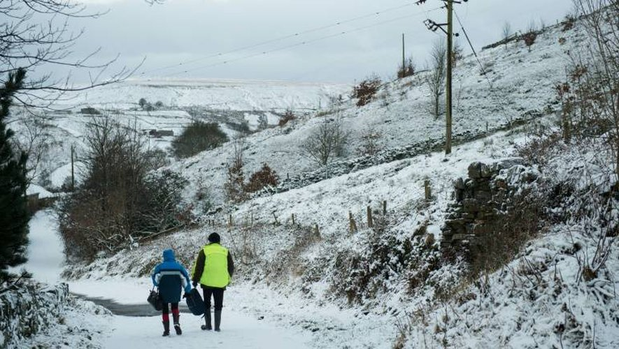 Le village de Marsden au nord de l'Angleterre sous la neige le 13 janvier 2017